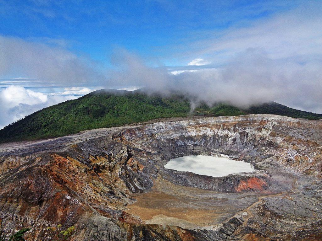 Active volcanoes in costa rica - Poas volcano