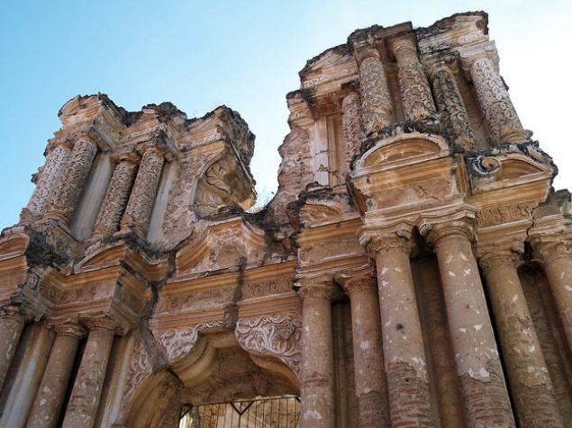 ruins in antigua guatemala