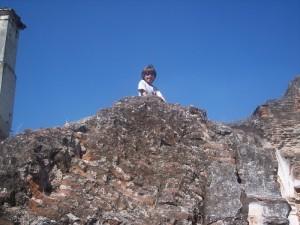 family-travel-antigua-guatemala