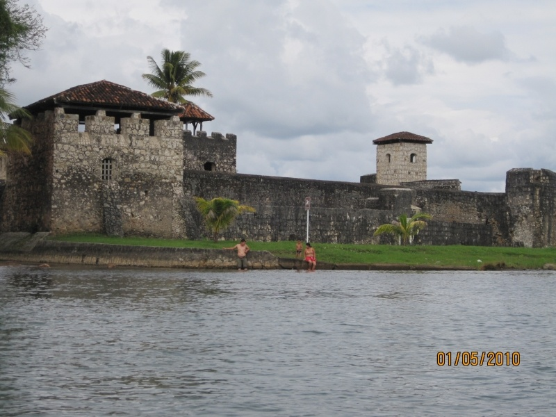 Everything You Need to Know About Traveling to the Guatemala Caribbean Coast - castillo san felipe