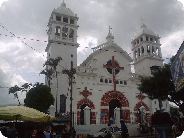 holy week in el Salvador sonsonate church
