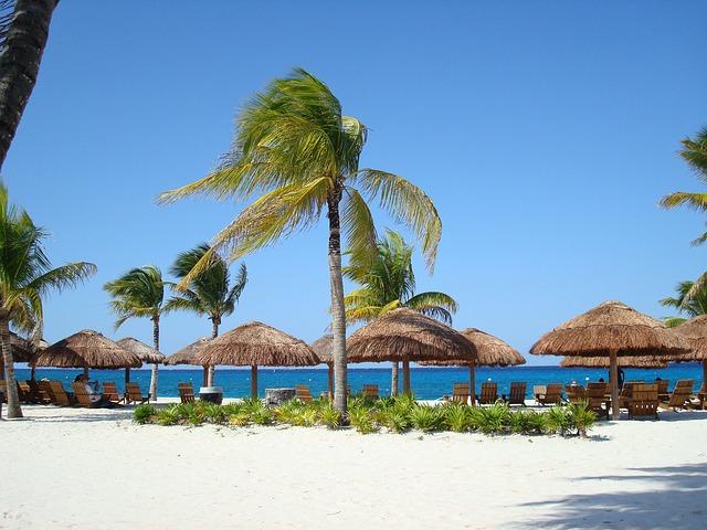 beach-144571_640