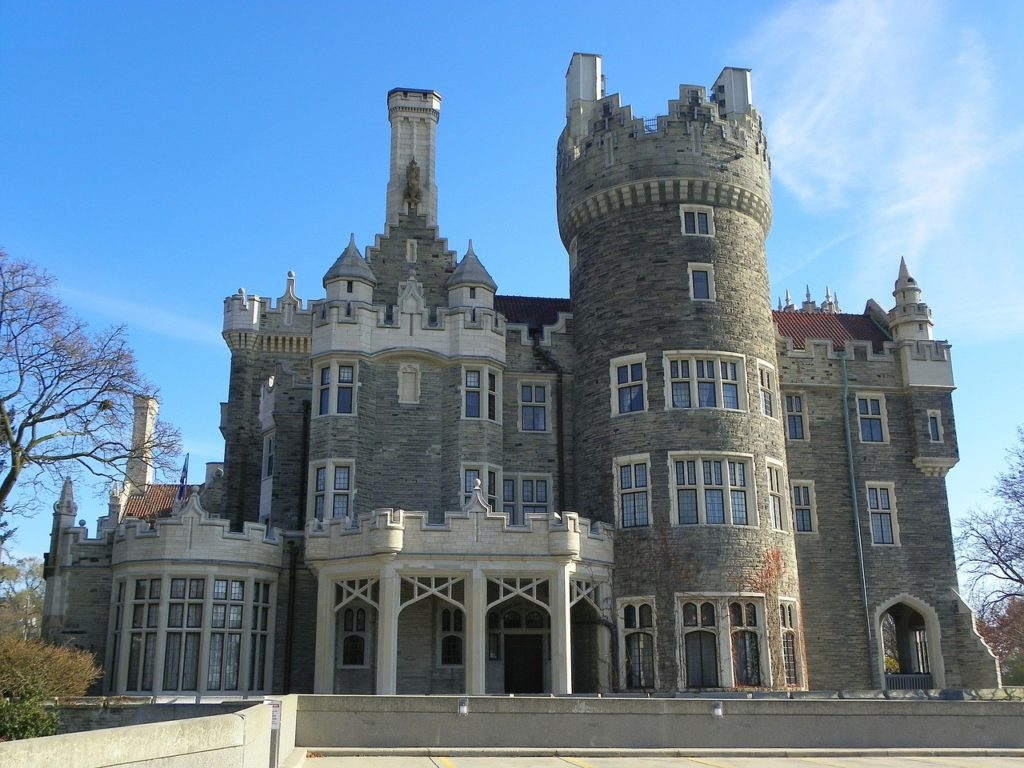 6 of the Most Amazing Things To Do In Toronto, Canada - Casa loma