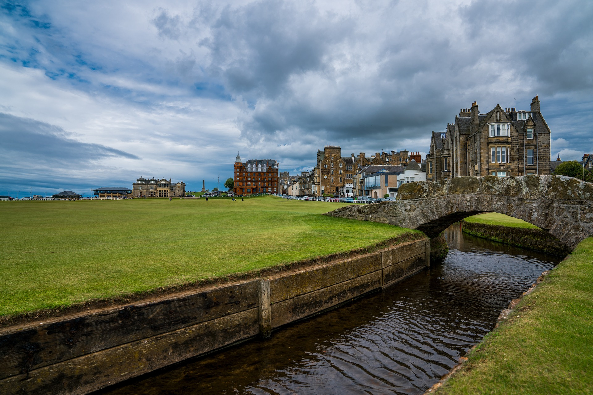 4 Reasons to Visit St Andrews Scotland This Summer