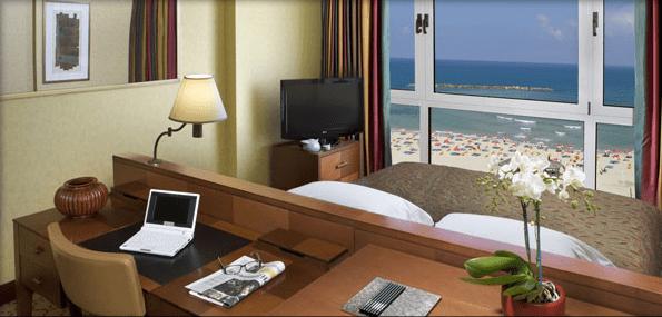 Sea View bed: Dan Tel Aviv Hotel