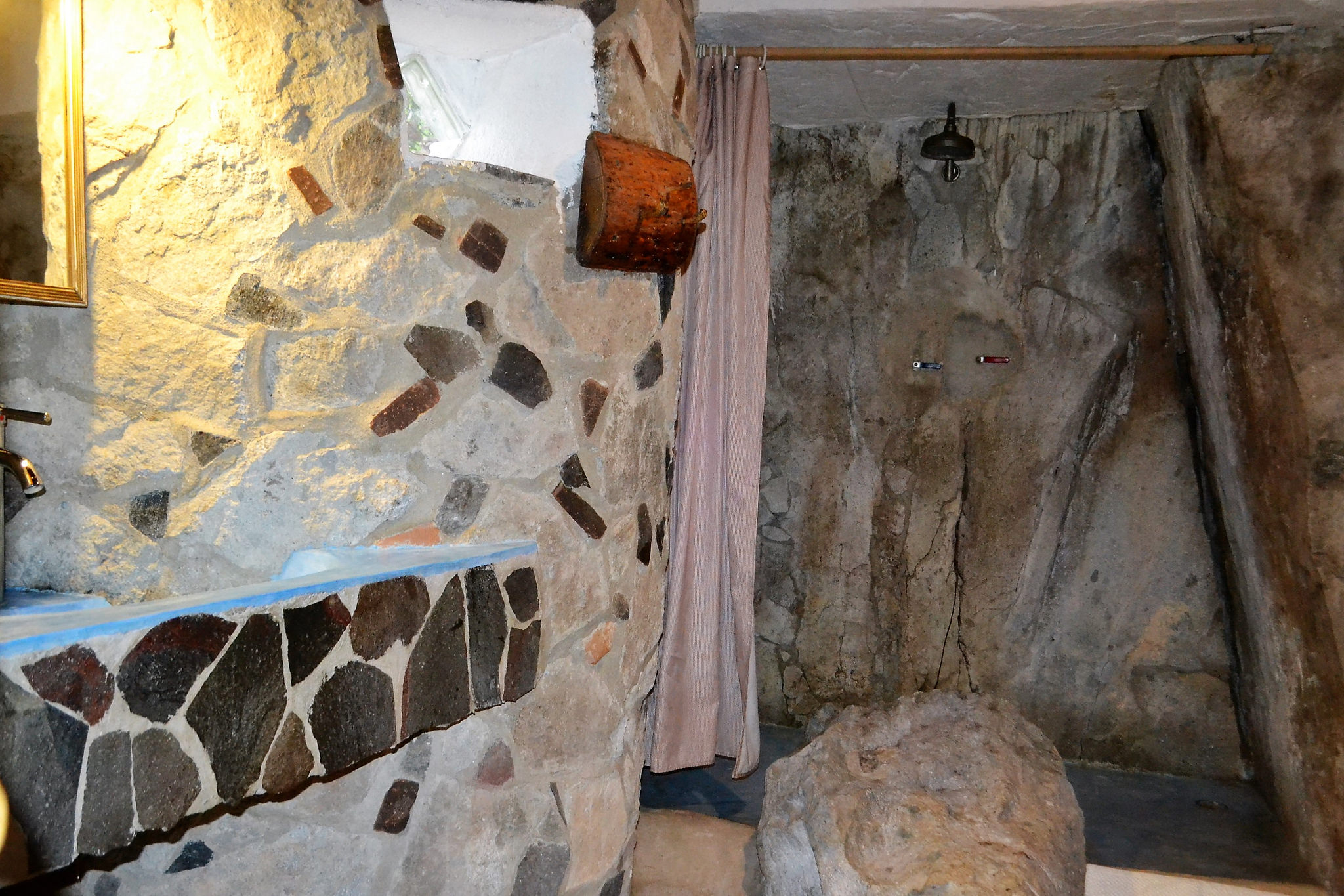 Bathroom design, rock walls and cliff faces