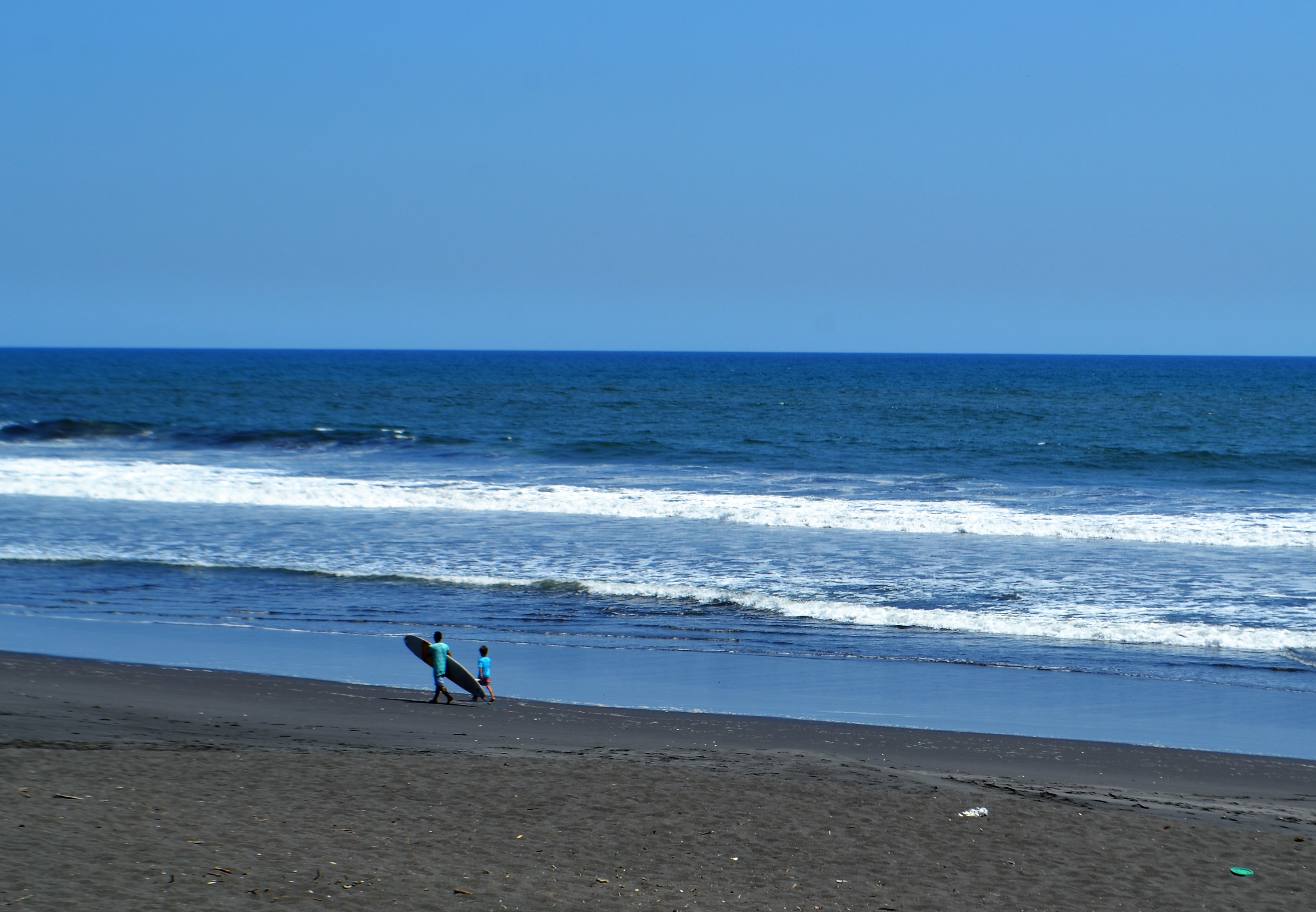 surfing paradise, surfing in guatemala, el paredon, surf lessons