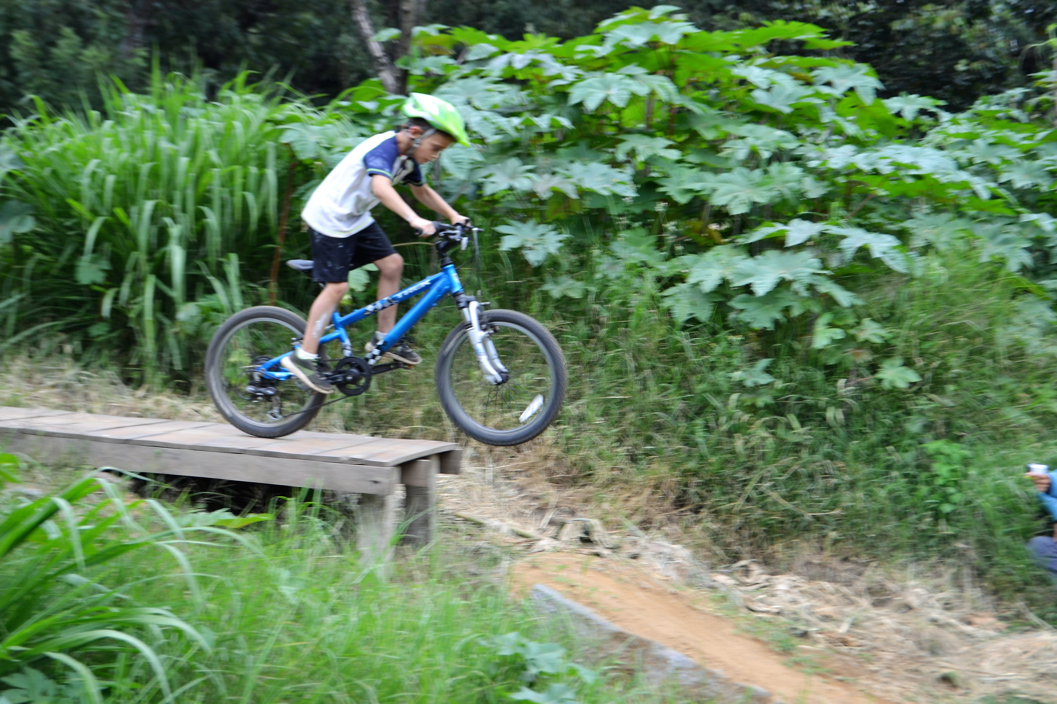 bike jumps, bike ramps, kids on bikes, local pump track, antigua guatemala, bike training