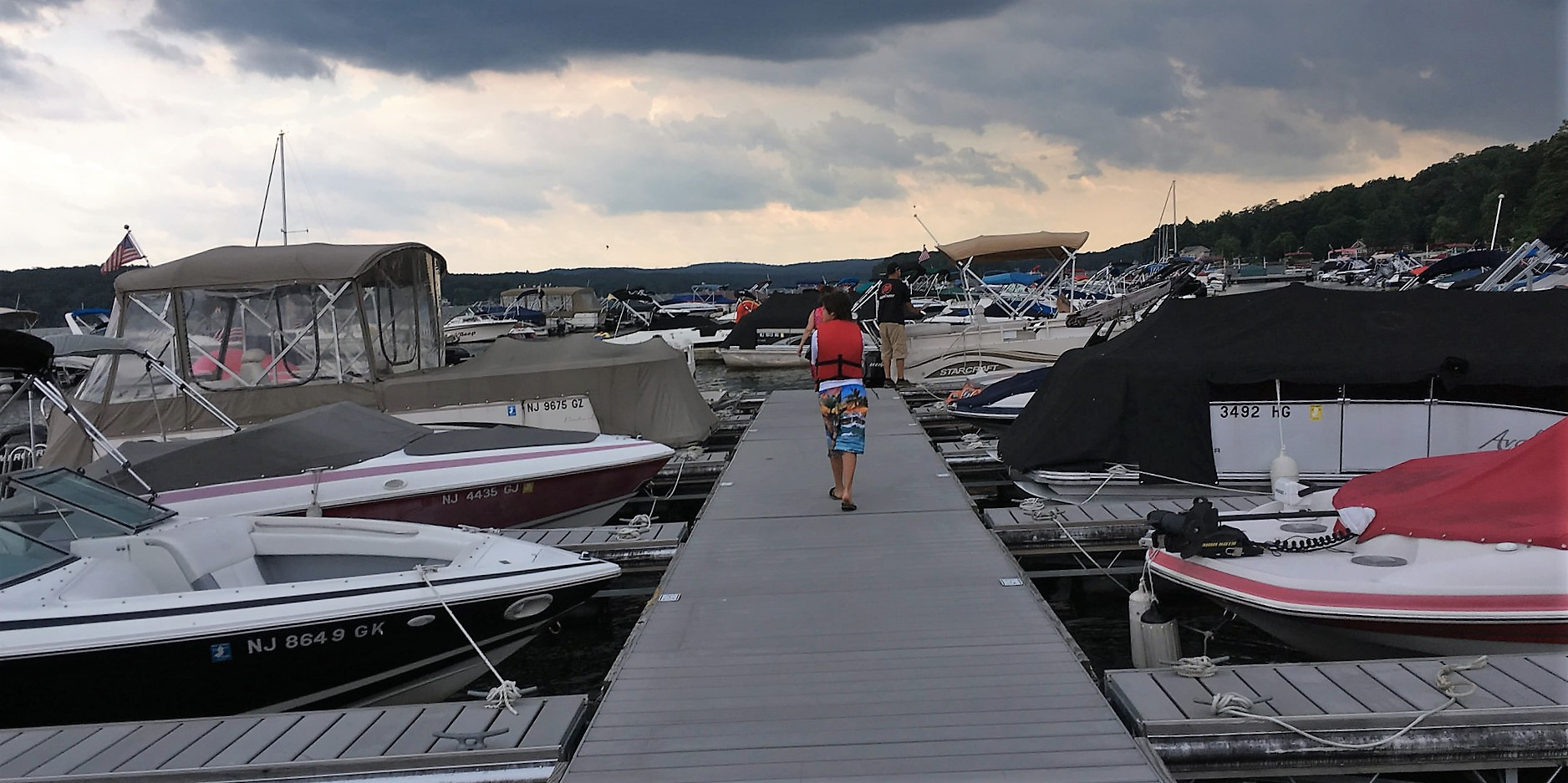 Family Reunion on Greenwood Lake pier, boat rental