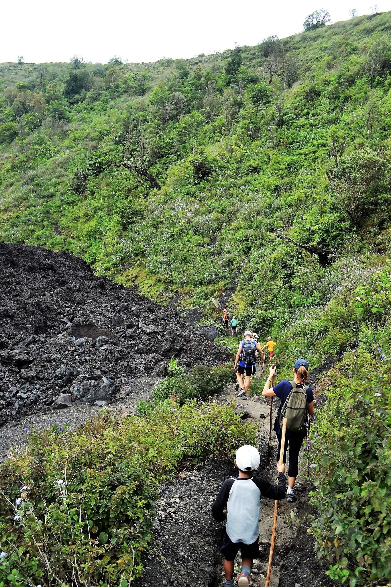pacaya volcano, volcano hike, hiking with kids, travel with kids, family travel, Guatemala