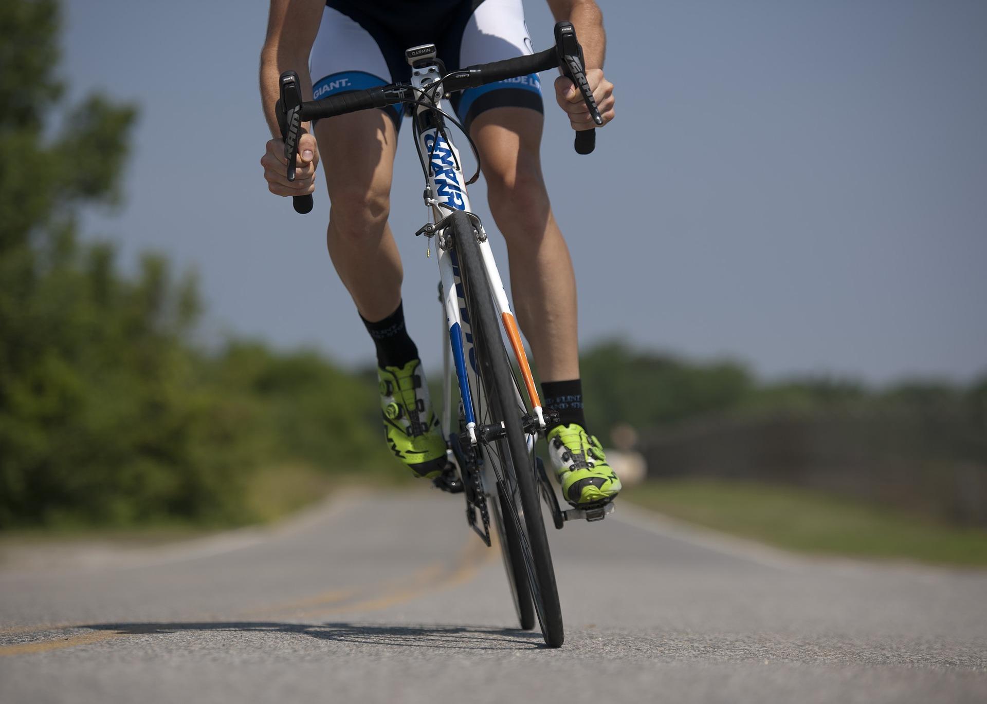Biking Tips - Road Bike Groupsets: Shimano vs. SRAM