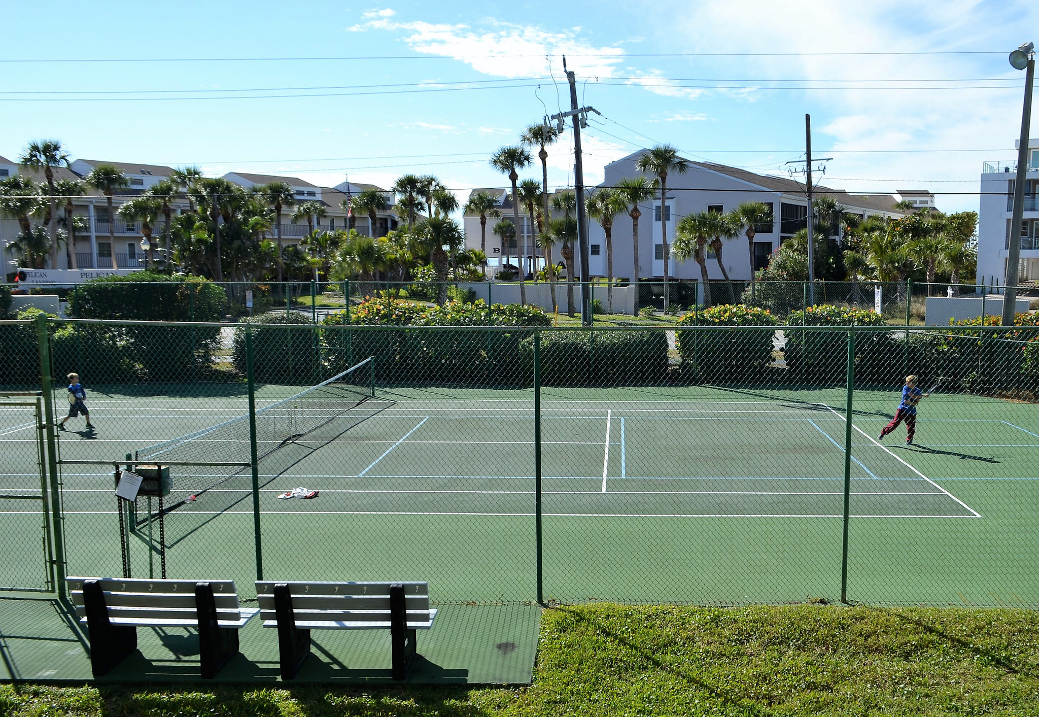 Where to stay in Manasota Key Florida - Playing tenis at Pelican Landing