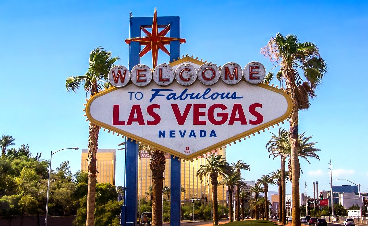 Want a Cheap Trip to Las Vegas? Here's What to Look For