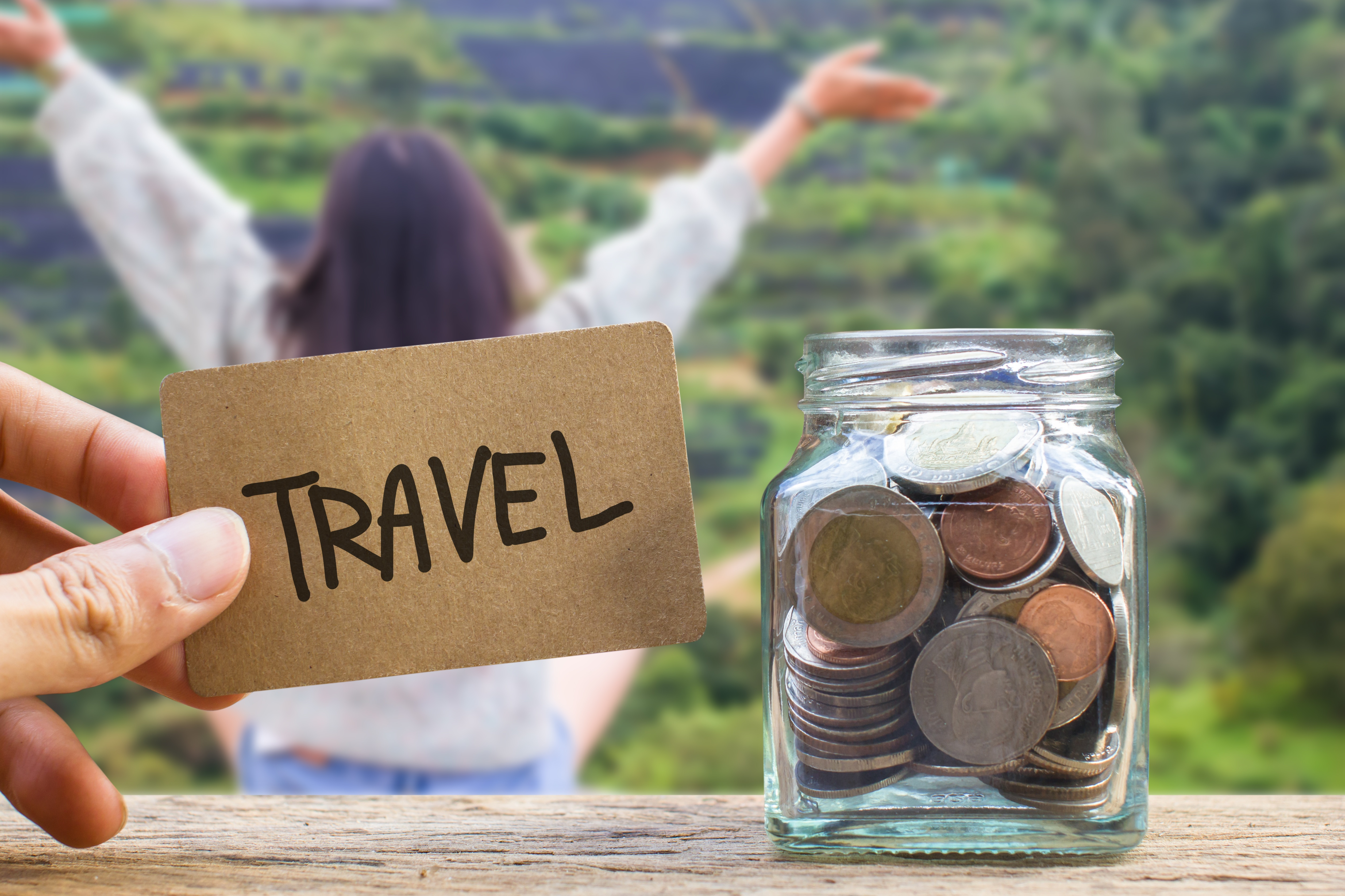 6 Simple Tips for Saving Money on Vacation