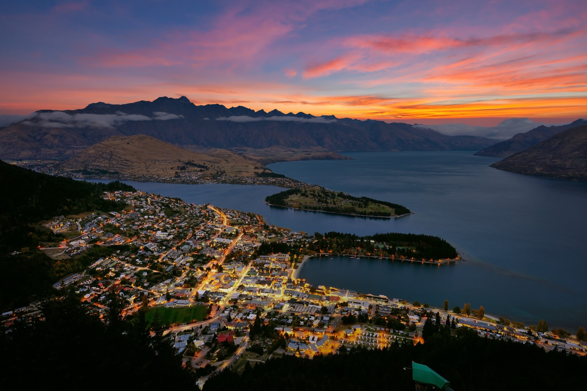 7 Key Reasons to Visit Queenstown, New Zealand