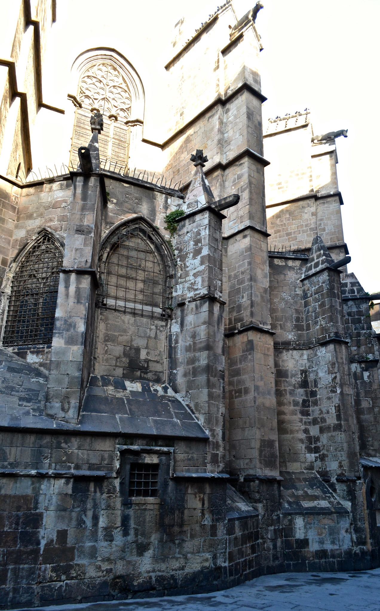 Places to Visit in Barcelona - gothic quarter