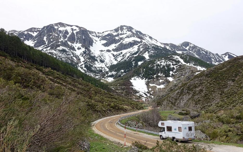 Why Should You Try Living In A Van?