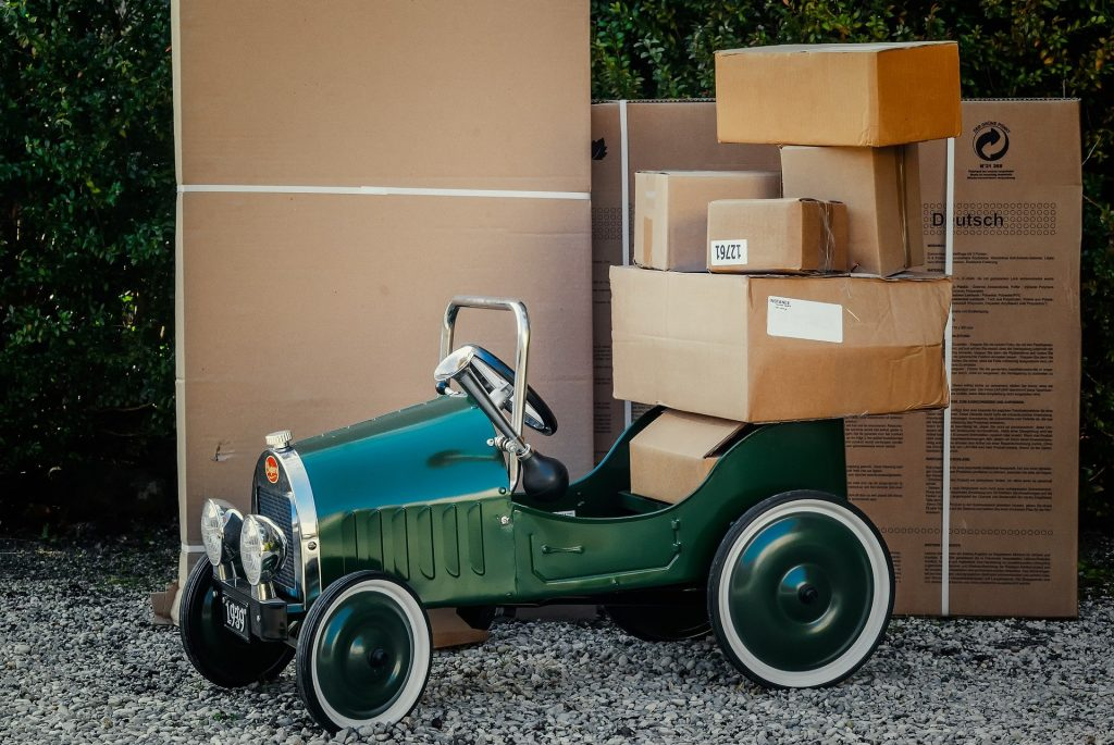 Package Delivery Tips When You're Always on The Road