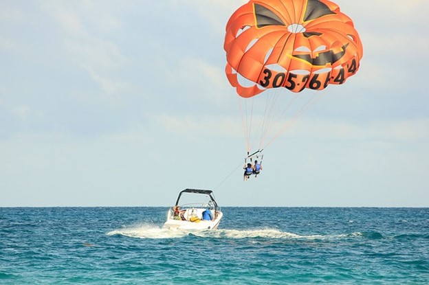 Beach Adventures You Shouldn't Miss When Visiting Europe - parasailing