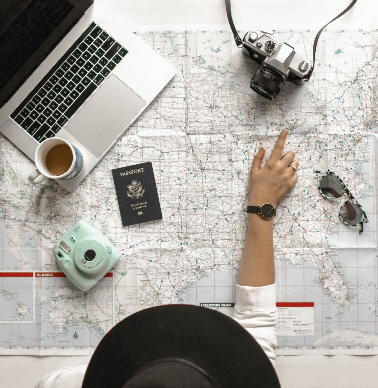 8 Tips on How to Travel Being a Working Student