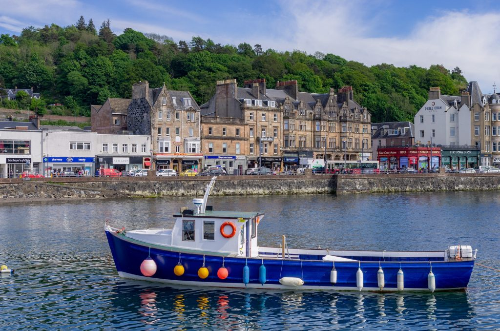 Solo Woman Travel Tips While Traveling To Oban